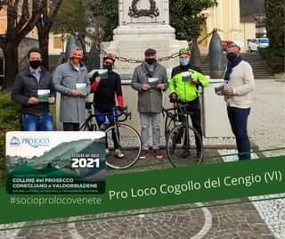 """Potrebbe essere un'immagine raffigurante 2 persone, persone in piedi, bicicletta, attività all'aperto e il seguente testo """"UNPLI PROLOCO Mo D'ITALIA TESSERA del SOCIO 2021 COLLINE del PROSECCO CONEGLIANO VALDOBBIADENE Pro Loco Cogollo del Cengio (VI) #socioprolocovenete"""""""